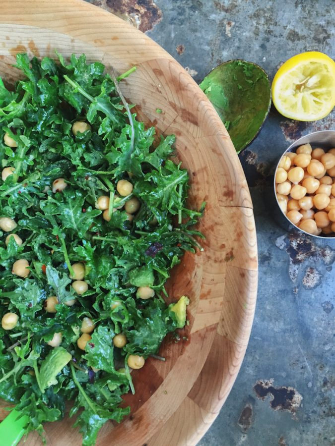baby kale salad with chickpeas and avocado