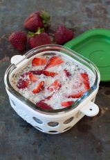 overnight refrigerator steel cut oats with chia and strawberries - Lifefactory storage container